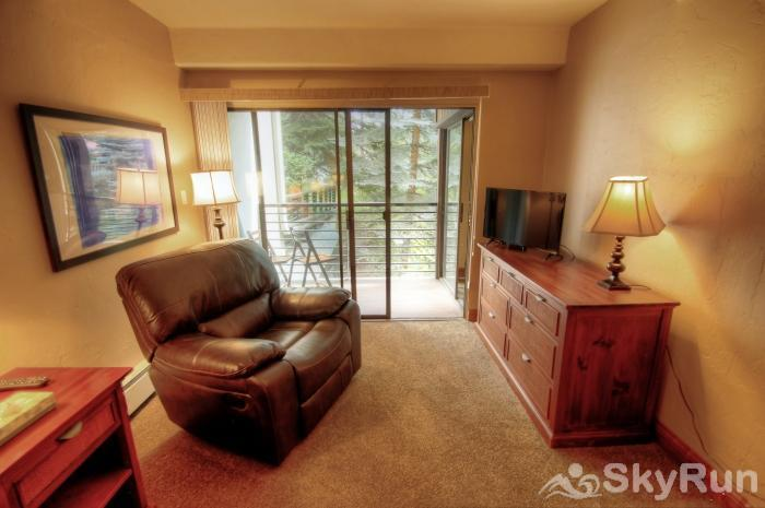 111 Vail International Master Tv and Patio