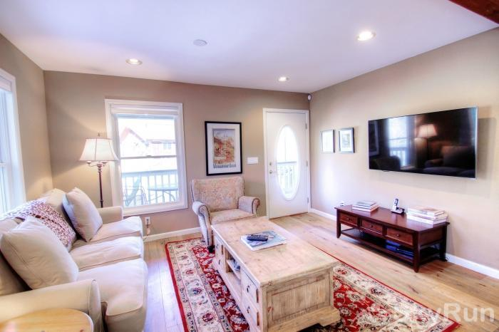 1717 Geneva Drive W TV Room